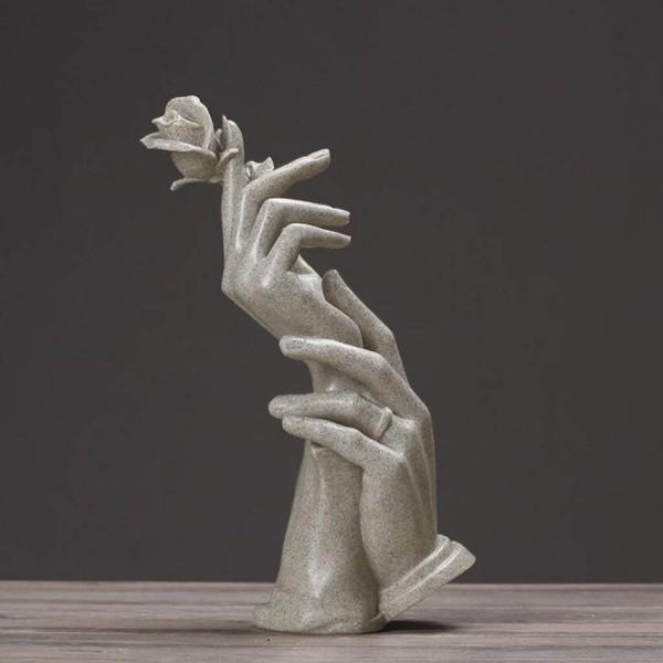 Skulptur Hände mit Rose